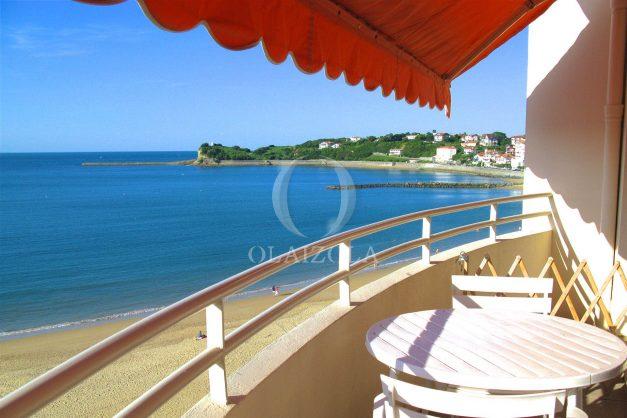 location-vacances-saint-jean-de-luz-appartement-vue-mer-terrasse-trois-couronnes-parking-libre-grande-plage-a-pied-001