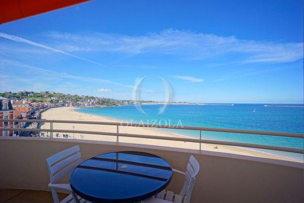 location-vacances-saint-jean-de-luz-appartement-vue-mer-terrasse-trois-couronnes-parking-libre-grande-plage-a-pied-002