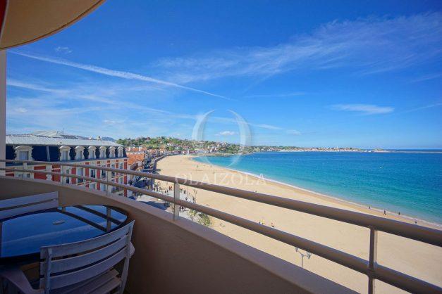 location-vacances-saint-jean-de-luz-appartement-vue-mer-terrasse-trois-couronnes-parking-libre-grande-plage-a-pied-003