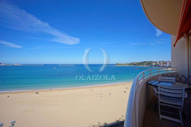 location-vacances-saint-jean-de-luz-appartement-vue-mer-terrasse-trois-couronnes-parking-libre-grande-plage-a-pied-004