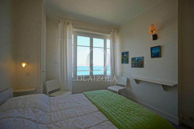location-vacances-saint-jean-de-luz-appartement-vue-mer-terrasse-trois-couronnes-parking-libre-grande-plage-a-pied-015