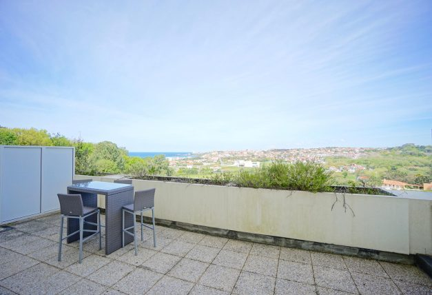 location-vacances-T4-Bidart-ilbarritz-roseraie-vue-mer-plage-parking-piscine - 017