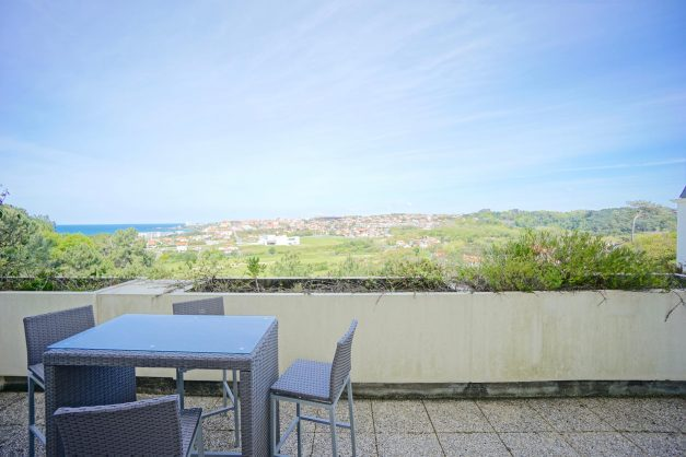 location-vacances-T4-Bidart-ilbarritz-roseraie-vue-mer-plage-parking-piscine - 020