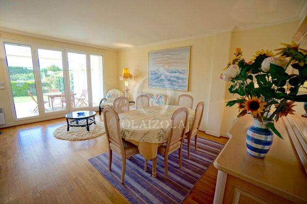 location-vacances-T4-Bidart-ilbarritz-roseraie-vue-mer-plage-parking-piscine-terrasse-balcon-ensoleillee-007