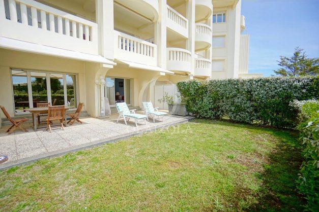 location-vacances-T4-Bidart-ilbarritz-roseraie-vue-mer-plage-parking-piscine-terrasse-balcon-ensoleillee-026