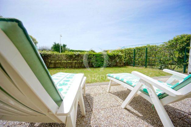 location-vacances-T4-Bidart-ilbarritz-roseraie-vue-mer-plage-parking-piscine-terrasse-balcon-ensoleillee-027