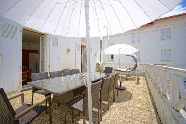 location-vacances-biarritz-appartement-plein-centre-ville-parking-proche-halles-plages-a-pied-006