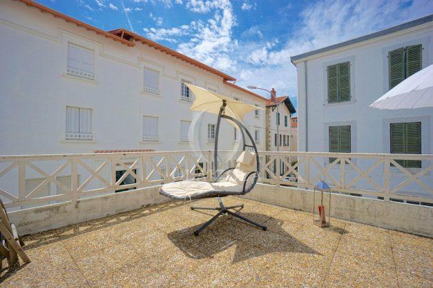 location-vacances-biarritz-appartement-plein-centre-ville-parking-proche-halles-plages-a-pied-007