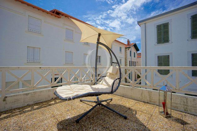 location-vacances-biarritz-appartement-plein-centre-ville-parking-proche-halles-plages-a-pied-008