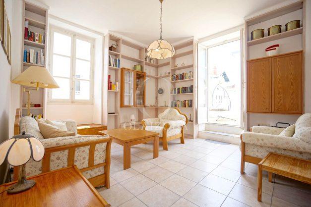 location-vacances-biarritz-appartement-plein-centre-ville-parking-proche-halles-plages-a-pied-009