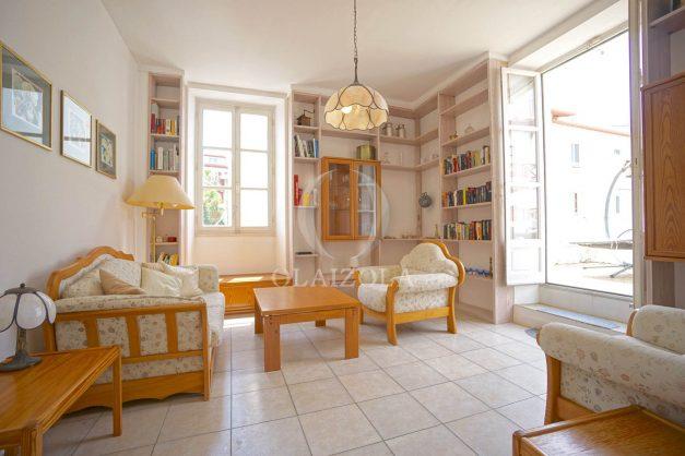 location-vacances-biarritz-appartement-plein-centre-ville-parking-proche-halles-plages-a-pied-010