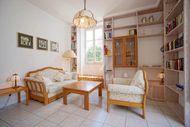 location-vacances-biarritz-appartement-plein-centre-ville-parking-proche-halles-plages-a-pied-011