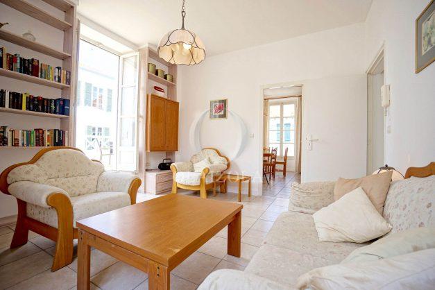 location-vacances-biarritz-appartement-plein-centre-ville-parking-proche-halles-plages-a-pied-013