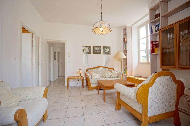 location-vacances-biarritz-appartement-plein-centre-ville-parking-proche-halles-plages-a-pied-014