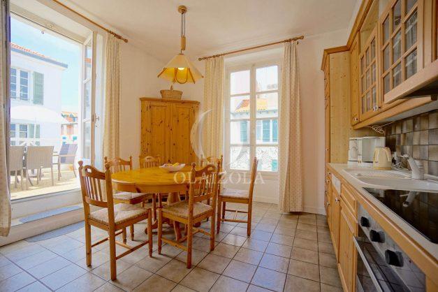 location-vacances-biarritz-appartement-plein-centre-ville-parking-proche-halles-plages-a-pied-015