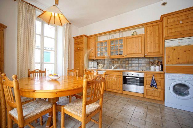 location-vacances-biarritz-appartement-plein-centre-ville-parking-proche-halles-plages-a-pied-016