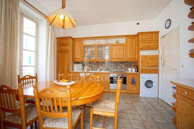 location-vacances-biarritz-appartement-plein-centre-ville-parking-proche-halles-plages-a-pied-017