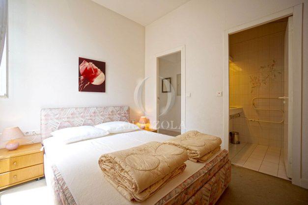 location-vacances-biarritz-appartement-plein-centre-ville-parking-proche-halles-plages-a-pied-018