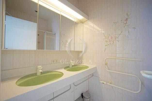 location-vacances-biarritz-appartement-plein-centre-ville-parking-proche-halles-plages-a-pied-020