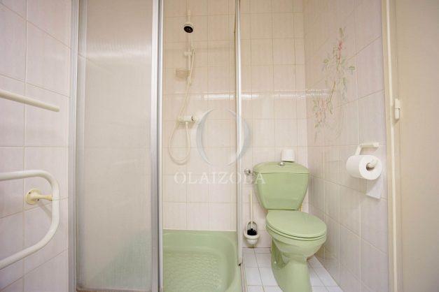 location-vacances-biarritz-appartement-plein-centre-ville-parking-proche-halles-plages-a-pied-021
