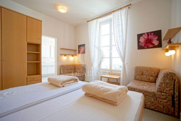 location-vacances-biarritz-appartement-plein-centre-ville-parking-proche-halles-plages-a-pied-026
