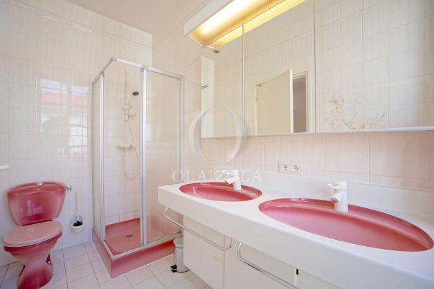 location-vacances-biarritz-appartement-plein-centre-ville-parking-proche-halles-plages-a-pied-027