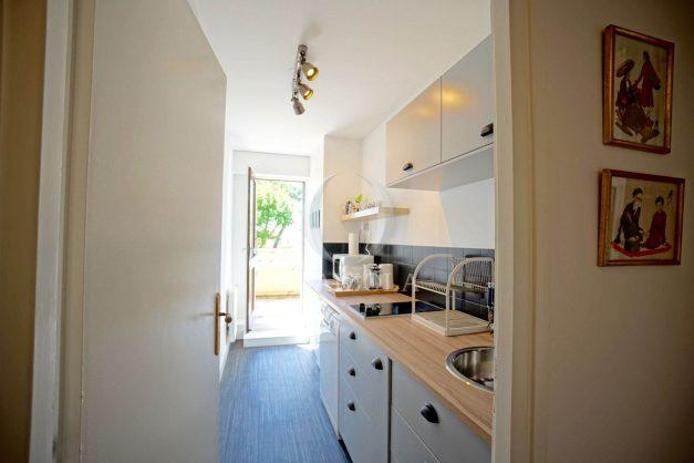 location-vacances-biarritz-appartement-residence-chateau-d-arcadie-proche-centre-ville-plage-alles-garage-terrasse-plein-sud-008