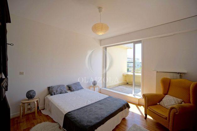 location-vacances-biarritz-appartement-residence-chateau-d-arcadie-proche-centre-ville-plage-alles-garage-terrasse-plein-sud-011