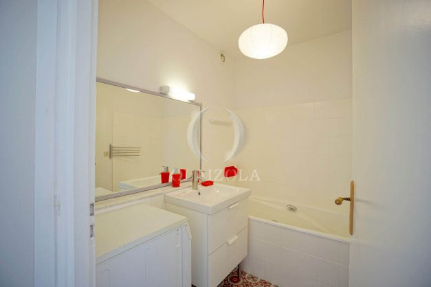 location-vacances-biarritz-appartement-residence-chateau-d-arcadie-proche-centre-ville-plage-alles-garage-terrasse-plein-sud-012