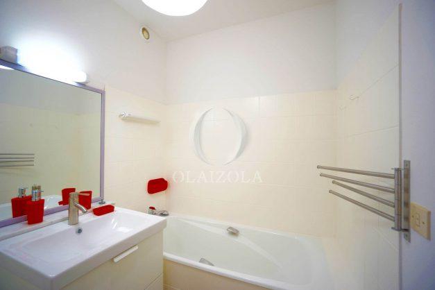 location-vacances-biarritz-appartement-residence-chateau-d-arcadie-proche-centre-ville-plage-alles-garage-terrasse-plein-sud-013