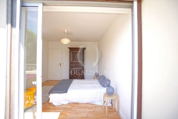 location-vacances-biarritz-appartement-residence-chateau-d-arcadie-proche-centre-ville-plage-alles-garage-terrasse-plein-sud-014