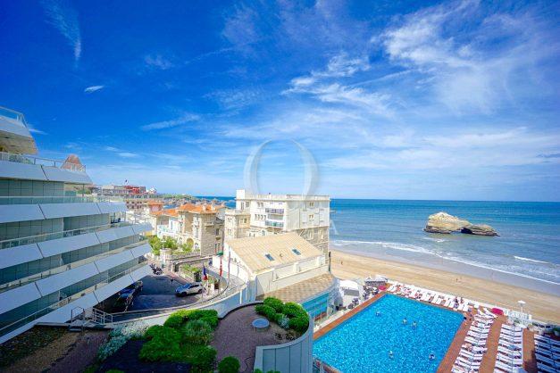 location-vacances-biarritz-studio-vue-mer-miramar-plage-centre-ville-terrasse-plage-a-pied-001