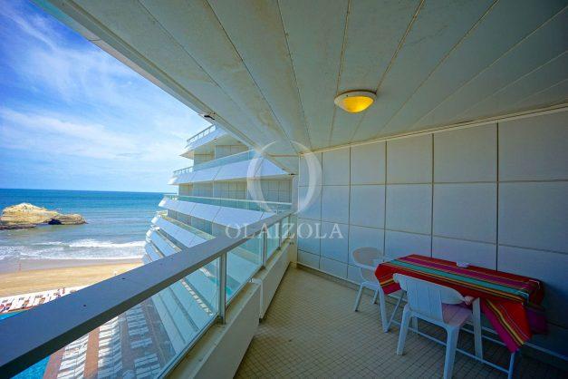 location-vacances-biarritz-studio-vue-mer-miramar-plage-centre-ville-terrasse-plage-a-pied-003