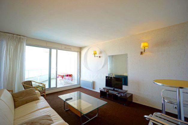 location-vacances-biarritz-studio-vue-mer-miramar-plage-centre-ville-terrasse-plage-a-pied-005
