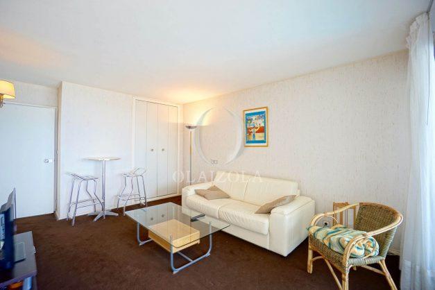 location-vacances-biarritz-studio-vue-mer-miramar-plage-centre-ville-terrasse-plage-a-pied-006