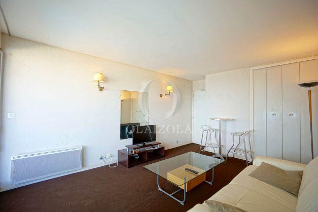 location-vacances-biarritz-studio-vue-mer-miramar-plage-centre-ville-terrasse-plage-a-pied-007