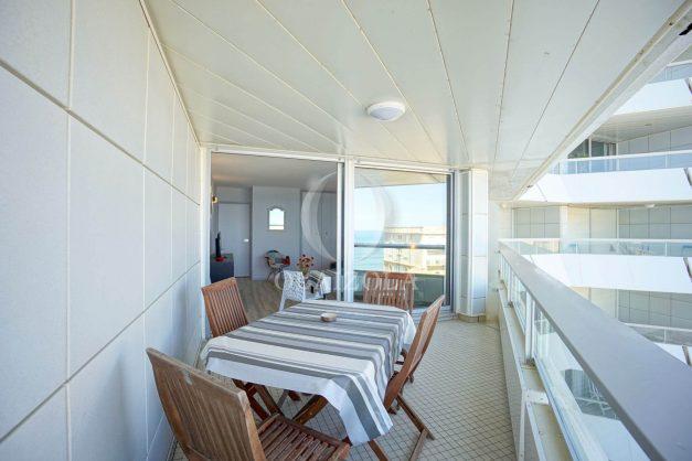 location-vacances-biarritz-studio-vue-mer-miramar-terrasse-centre-ville-plage-a-pied-005