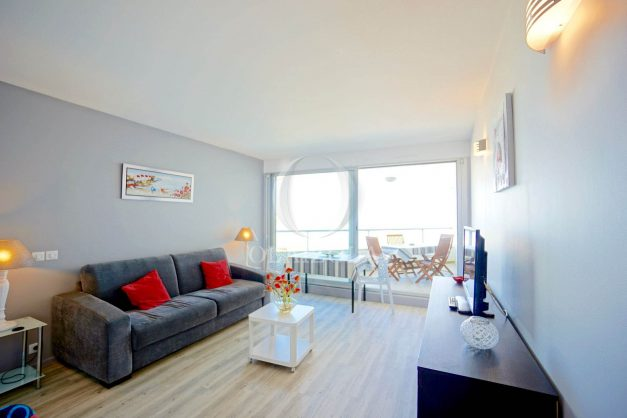 location-vacances-biarritz-studio-vue-mer-miramar-terrasse-centre-ville-plage-a-pied-006