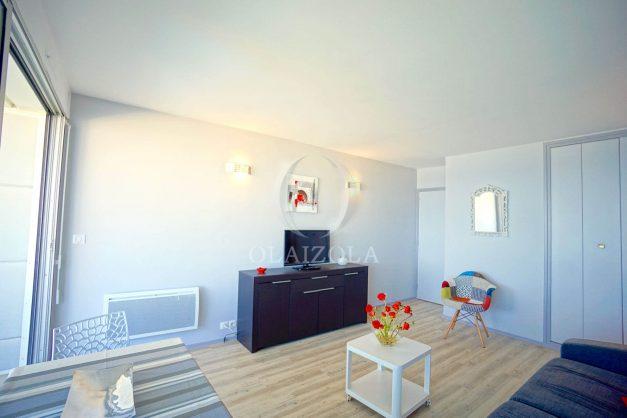 location-vacances-biarritz-studio-vue-mer-miramar-terrasse-centre-ville-plage-a-pied-009