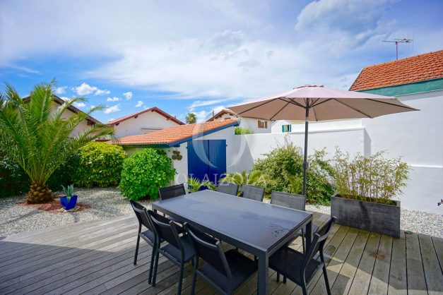 location-vacances-biarritz-villa-proche-plage-terrasse-parking-phare-golf-limite-anglet-plein-sud-002