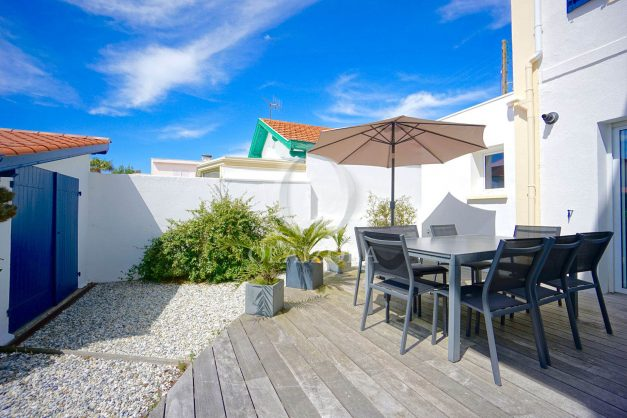 location-vacances-biarritz-villa-proche-plage-terrasse-parking-phare-golf-limite-anglet-plein-sud-004