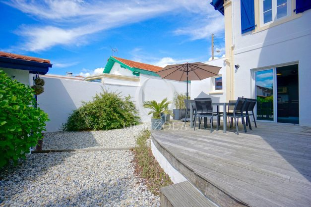 location-vacances-biarritz-villa-proche-plage-terrasse-parking-phare-golf-limite-anglet-plein-sud-006