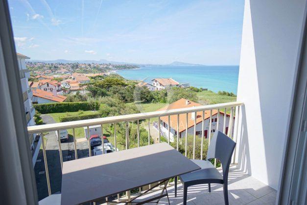 location-vacances-bidart-T2-vue-mer-parking-plages-a-pied-014