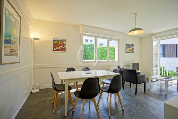location-vacances-biarritz-appartement-2-chambres-parking-port-vieux-balcon-proche-plage-1