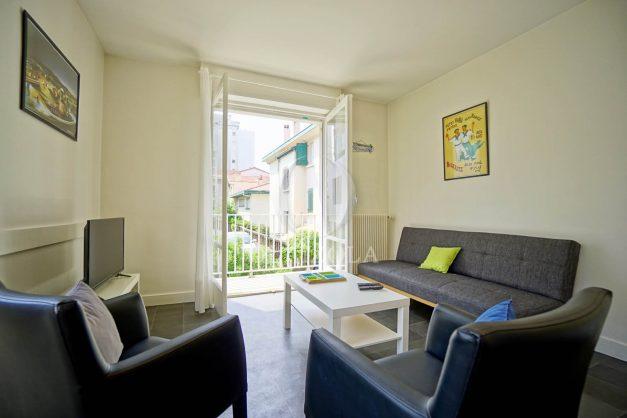 location-vacances-biarritz-appartement-2-chambres-parking-port-vieux-balcon-proche-plage-4