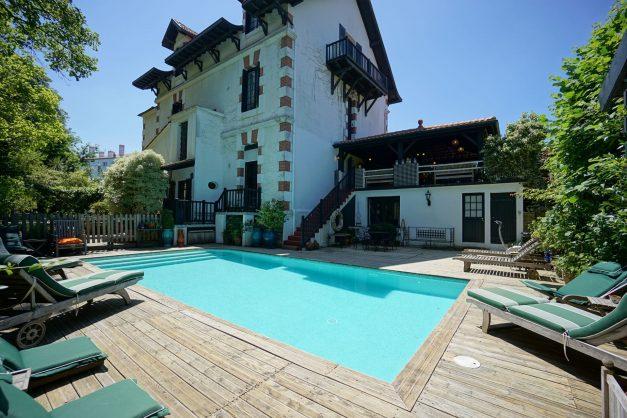 location-vacances-biarritz-villa-chateau-piscine-parc-d-hiver-parking-jardin-terasse-005