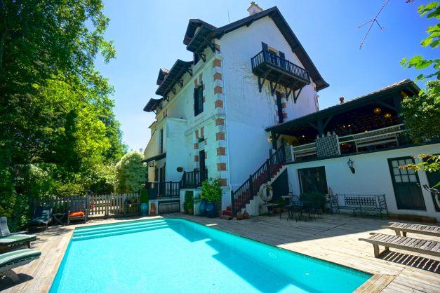 location-vacances-biarritz-villa-chateau-piscine-parc-d-hiver-parking-jardin-terasse-006