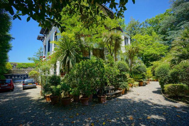 location-vacances-biarritz-villa-chateau-piscine-parc-d-hiver-parking-jardin-terasse-027