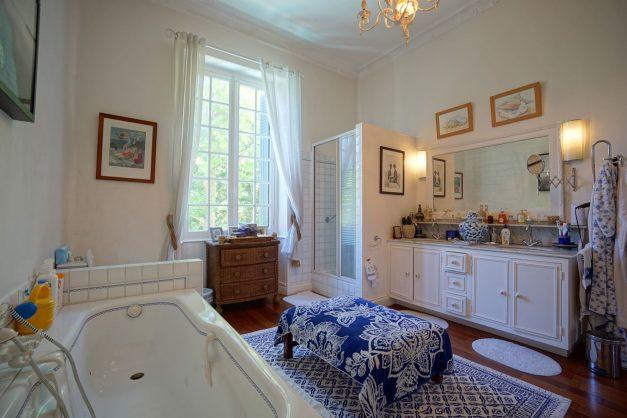 location-vacances-biarritz-villa-chateau-piscine-parc-d-hiver-parking-jardin-terasse-051