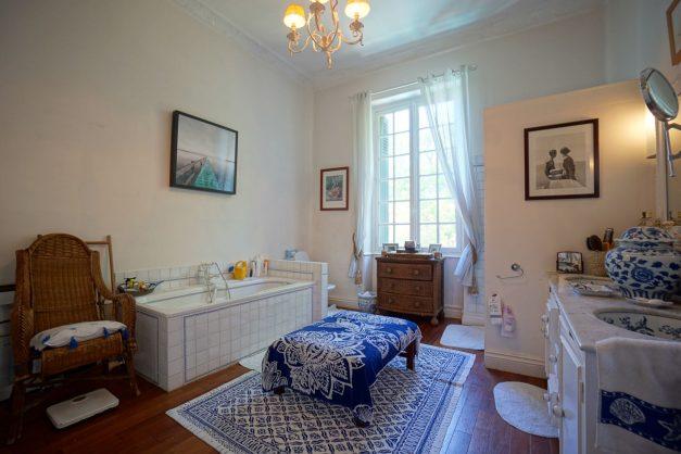 location-vacances-biarritz-villa-chateau-piscine-parc-d-hiver-parking-jardin-terasse-052